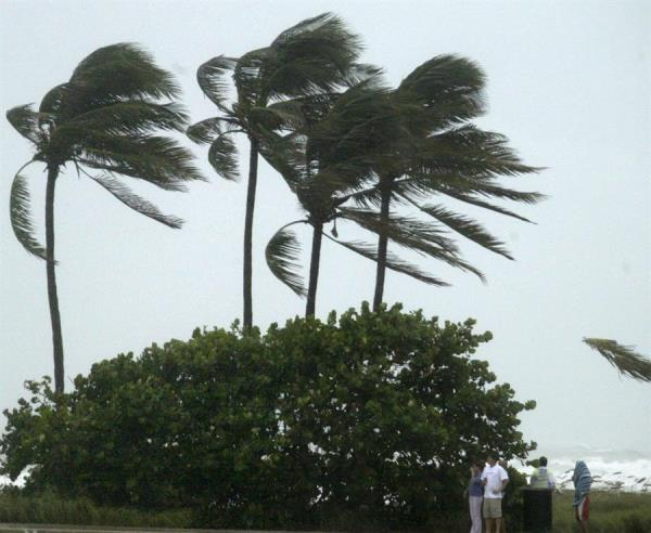 El ojo del huracán Eta tocó este martes tierra al sur de ese municipio costero...